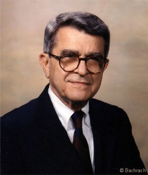 An image of retired practitioner John Sarno